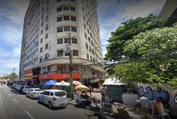 Fachada de edifício desaba e deixa feridos na Avenida Dantas Barreto, no Centro do Recife (Google Maps/Reprodução)