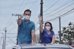 No Ibura, Carlos Andrade Lima inicia campanha com caminhada e carreata (Foto: Costa Neto/Divulgação)