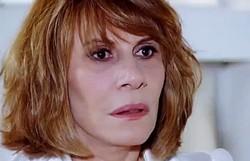 Fina Estampa: Esther se assusta quando vê Danielle na TV. Confira o resumo desta sexta
