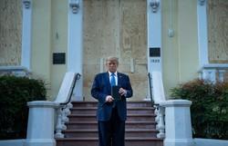 Trump condena 'atos de terrorismo doméstico' e anuncia mobilização de tropas (Foto: Brendan Smialowski/AFP)