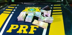 Homem é detido com pistola e R$ 47 mil em Salgueiro (PRF/Divulgação)
