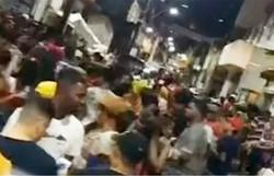 Multidão ignora isolamento social e participa de festa 'paredão' em Salvador (Foto: Reprodução/Twitter)