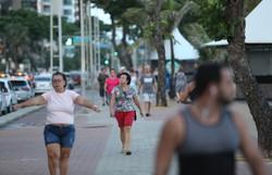 Após Bolsonaro incentivar o fim do isolamento, avenidas do Recife registram aumento de fluxo (Foto: Hesíodo Goes/Esp. DP)