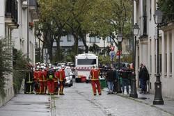 Ataque a faca em Paris deixa ao menos 2 feridos perto de antiga sede do Charlie Hebdo (Foto: GEOFFROY VAN DER HASSELT / AFP)