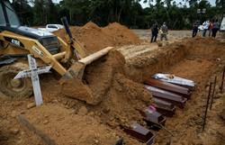 Covid-19: Brasil tem 33,5 mil novos casos e 836 mortes em 24 horas (Foto: Michael Dantas/AFP)