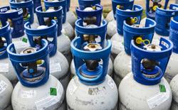 Bolsonaro comenta que botijão de gás poderia ser vendido a R$ 60 ou R$ 70 (Bolsonaro voltou a citar o valor do frete, o ICMS dos Estados e a margem de lucro dos vendedores para justificar o alto custo do gás. Foto: Reprodução/Shutterstock)