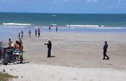 Comerciantes, banhistas e surfistas são advertidos pela Operação Integrada de Olinda (Foto: Divulgação )