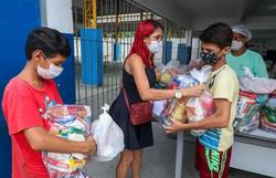 Prefeitura do Jaboatão entrega 730 toneladas de alimentos para estudantes do município (Foto: Chico Bezerra/Prefeitura de Jaboatão)