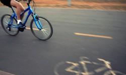 Brasileiro sem carro acha mais seguro usar bicicleta durante pandemia (Foto: Arquivo / Marcello Casal Jr. / Agência Brasil)
