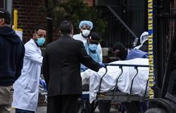 EUA ultrapassam 3.400 mortes e superam China em número de vítimas do coronavírus (Foto: STEPHANIE KEITH / GETTY IMAGES NORTH AMERICA / Getty Images via AFP)
