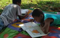 'O que limita esses meninos é a própria sociedade', diz assistente social de ONG que auxilia na adoção de crianças e adolescentes (Foto: Reprodução/Facebook)