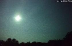Meteoro superluminoso cruzou os céus do Rio Grande do Sul (Foto: Reprodução/Carlos Fernando Jung)