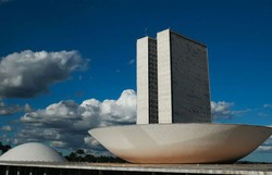 Em semana curta, Congresso foca votações em matérias sobre Covid-19 (Foto: Marcello Casal Jr. / Agência Brasil)