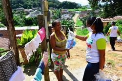 Em Camaragibe, ação contra o coronavírus acontece no bairro de Santa Mônica (Foto: Aline Sales/Divulgação)