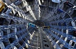 Volkswagen perde metade do lucro em 2020 pela Covid-19 (Tobias SCHWARZ/AFP)