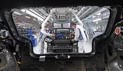 Produção e desemprego na indústria automotiva crescem em julho (Foto: Hendrik Schmidt / POOL / AFP)