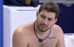 Caio é o décimo primeiro eliminado do BBB com 70,22% dos votos (Foto: Reprodução/Gshow)