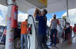 Sefaz-PE fiscaliza postos de combustíveis para combater sonegação fiscal (Foto: Sefaz-PE/ Divulgação)