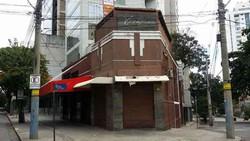 Dupla rouba bar e paga motorista de app com uísque e cigarro em BH (Foto: Edésio Ferreira/ EM/ D.A. Press)