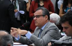 Danilo Cabral critica retirada de recursos do Fundeb para financiar o Renda Básica (Deputado Danilo Cabral. Foto: Chico Ferreira/Divulgação)