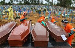 Coronavírus provocou mais de 350 mil mortes no planeta (Foto: MICHAEL DANTAS / AFP)