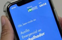 Em dois meses, 107 milhões de brasileiros pediram auxílio emergencial (Foto: Marcello Casal Jr/Agência Brasil )