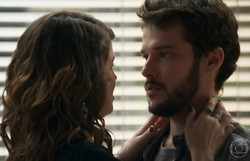 Haja Coração: Camila e Giovanni desconfiam de Bruna e Enéas. Confira o resumo desta terça