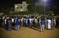Protestos contra o golpe no Sudão desafiam os militares (Foto: AFP)