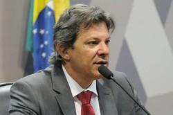 Haddad sobre Bolsonaro: 'Temos que voltar a falar de impeachment' (Haddad enfrentou Bolsonaro no segundo turno das eleições de 2018. Foto: Alessandro Dantas/PT )