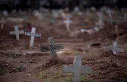 Brasil registra 1.252 novas mortes por Covid-19 em 24h; Total chega a 61.884 (Foto: Mauro Pimentel/AFP )