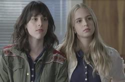 Malhação: Lica e Clara se surpreendem ao ver Edgar chegar embriagado ao colégio. Confira o resumo desta sexta (Foto: Globo/Reprodução)