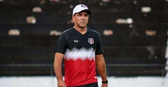 Marcelo Martelotte fez sua estreia como treinador este ano no último fim de semana  (Rafael Melo/Santa Cruz )