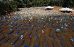 Brasil registra 755 óbitos por Covid-19 e ultrapassa 175 mil mortes (Foto: Michael Dantas/ AFP)