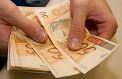 Empresa que cortar salário poderá pagar valor extra ao trabalhador e ter abatimento em impostos (Foto: USP Imagens/Fotos Públicas)