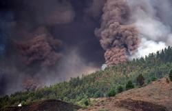 Vulcão que poderia causar tsunami no NE entra em erupção nas Canárias (Foto: Desiree Martin/AFP )