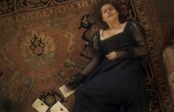 Novo Mundo: Leopoldina as recebe as cartas que Pedro enviou para Domitila e desmaia. Confira o resumo desta quarta
