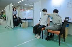 Recorde de casos de Covid-19 em Tóquio, restrições ampliadas no país (Foto: Stanislav Kogiku / POOL / AFP)