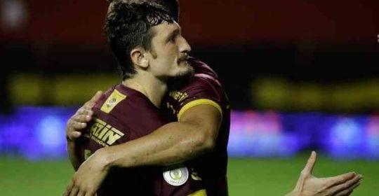 Lateral esquerdo foi único jogador do Sport a levar cartão amarelo  contra Atlético-GO   (Anderson Stevens/Sport Club do Recife)