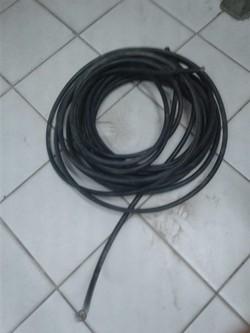 Homem é preso suspeito de roubar fios telefônicos no Recife (Foto: Divulgação/PMPE)