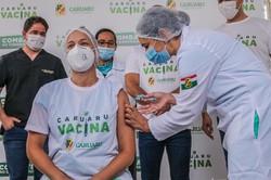 Com mais 2,9 mil doses, Caruaru inicia a vacinação contra Covid-19  ( Janaína Pepeu/Prefeitura de Caruaru)