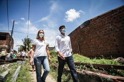 João Campos inicia campanha com visita à comunidade Irmã Dorothy (Foto: Rodolfo Loepert/Frente Popular do Recife)