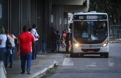 Queima de parada e descumprimento de horário são as principais reclamações do passageiro na RMR