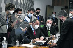 OAB é a favor de denunciar Bolsonaro ao Tribunal Penal Internacional (Foto: Edilson Rodrigues/Agência Senado)
