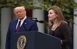 Trump indica conservadora Amy Coney Barrett para a Suprema Corte (OLIVIER DOULIERY / AFP)