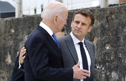 Macron e Biden prometem restabelecer confiança após crise diplomática (Foto: Ludovic Marin/AFP)