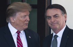 Bolsonaro liga para Trump e agradece envio de mil respiradores (Foto: AFP)