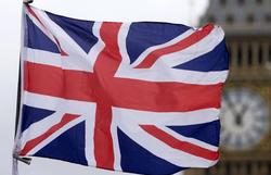 Regra que 'proíbe sexo' com quem não mora junto vira piada no Reino Unido (Foto: JUSTIN TALLIS / AFP)