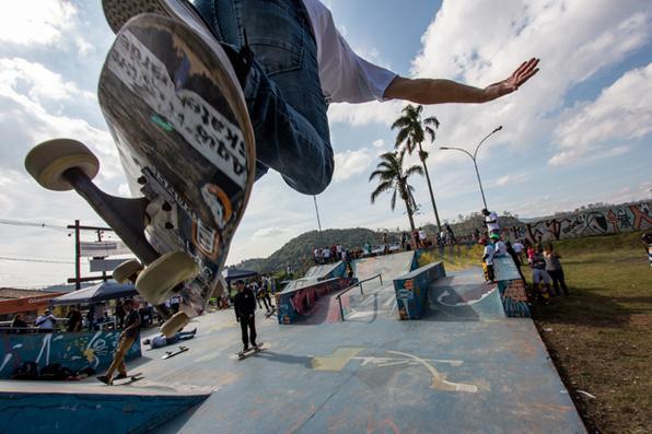 O Skate é um os principais itens da cultura urbana. Em Rio Grande da Serra, o Projeto Skatescola realizou o I Festival Skatescola, com a presença do hexacampeão Sandro Dias, o Mineirinho. Foto: Fernando Gonsáles - Éssipê. -