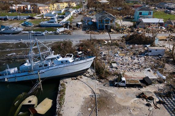 FOTOS DA SEMANA - 01 a 06 de Setembro (Uma visão dos danos causados pelo furacão Dorian em 5 de setembro de 2019, em Marsh Harbour, Great Abaco. - O furacão Dorian atingiu as Carolinas com chuvas fortes e ventos fortes, enquanto se aproximava da costa leste dos EUA na quinta-feira, depois de devastar as Bahamas e matar pelo menos 20 pessoas. (Foto de Brendan Smialowski / AFP))