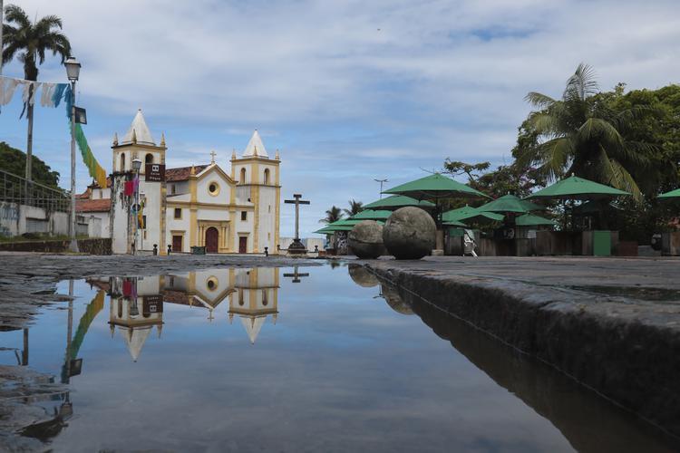 CORONAVÍRUS: Veja as fotos da movimentação de Olinda e Recife nesta sexta - feira